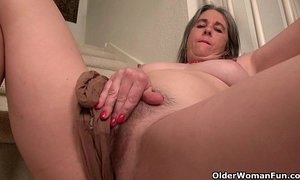 ass hole  fingering  granny  naughty older woman